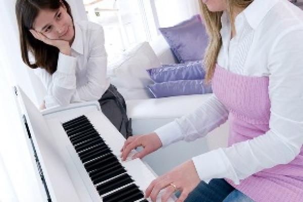 Khóa đào tạo Piano đệm ca khúc